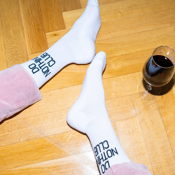 On Vacation: Modell 'Do Nothing Club Tennis Socks - White'