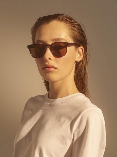 A.Kjærbede: Modell 'Bate Sonnenbrille - Brown Transparent'