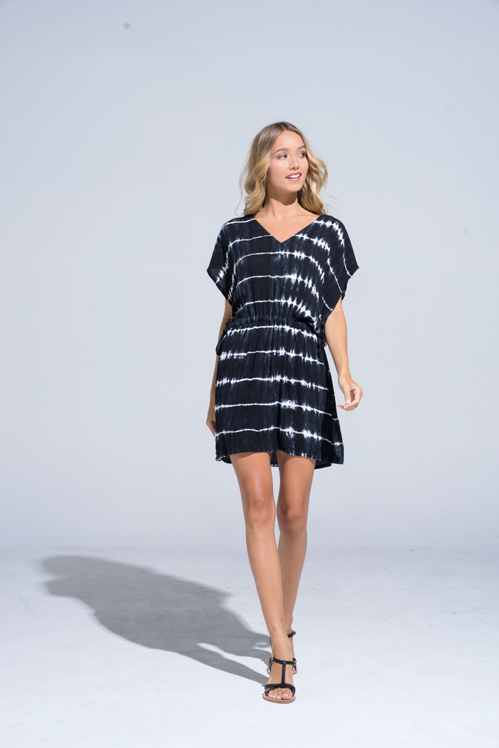 Buddha Wear: Modell 'Inessa Beach Tunic - Black Batik'