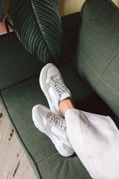 Jutelaune: Modell 'Chunky Sneakers - Sand/Mint'