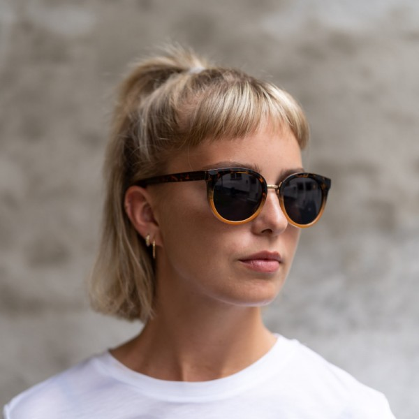 A.Kjærbede: Modell 'Gray Sonnenbrille - Demi Tortoise Yellow'