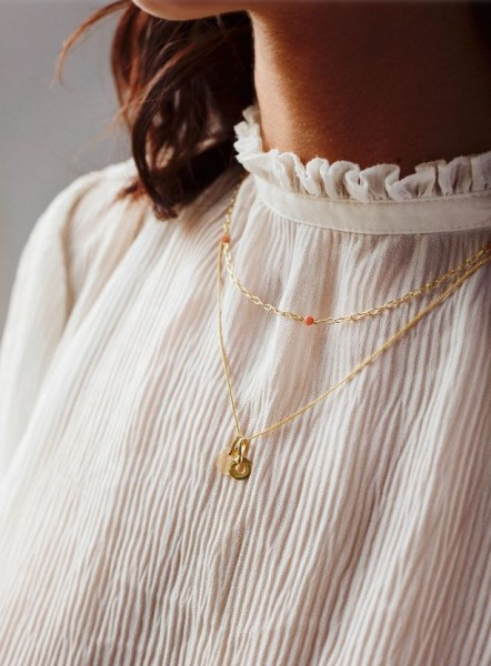 Flawed: Modell 'Peach Moonstone Chain Necklace - Gold'
