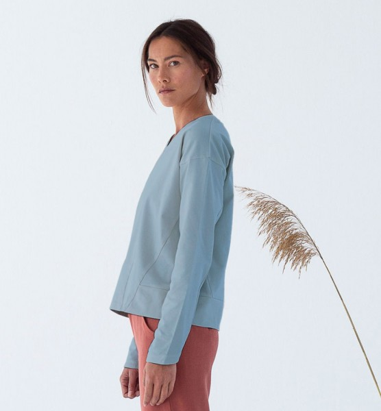 Suite 13: Modell 'Naka Shirt - Laurel'
