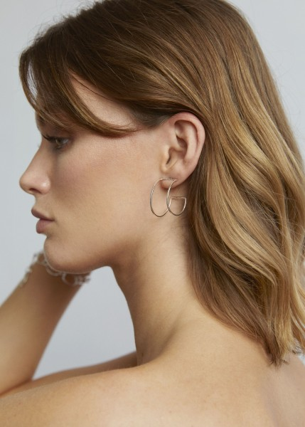Wild Fawn: Modell 'Statement Curved Studs - Silver'