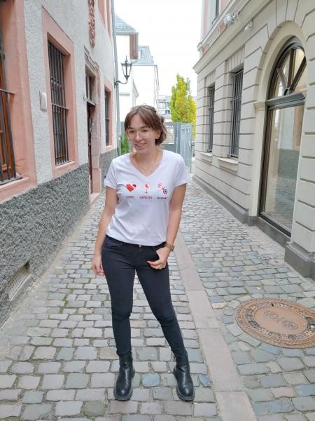 Stitchy: Modell 'T-Shirt - Liebe Genuss Heimat'