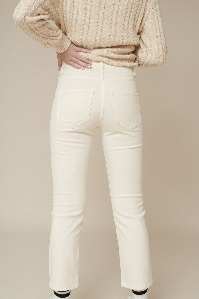 Basic Apparel: Modell 'Ellen Jeans - garment dyed - Birch'