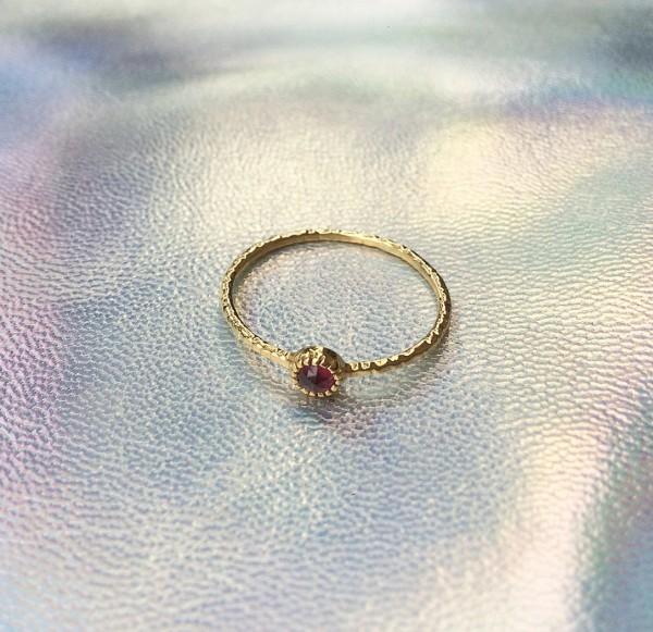 epic: Modell 'Stone Ring Rhodolit Granat - Gold'