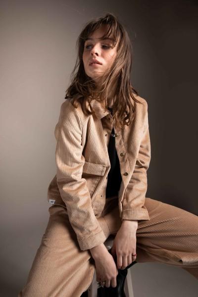 [eyd]: Modell 'Jacke Chanab - Beige'