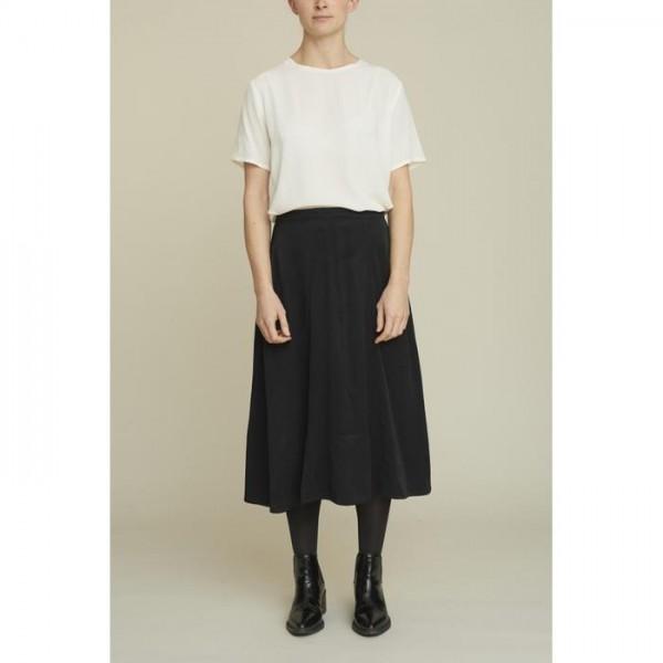 Basic Apparel: Modell 'Keira Skirt - Black'