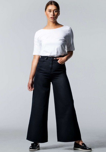 Lovjoi: Modell 'Wide Cropped Baleria Jeans - Overdyed Black'