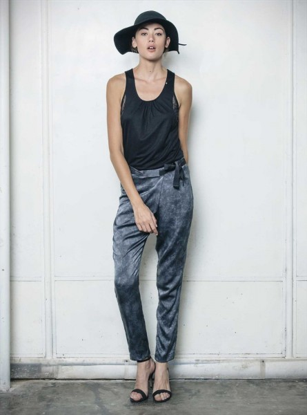 Buddha Wear: Modell 'Chloe Pants - Shades of Grey'