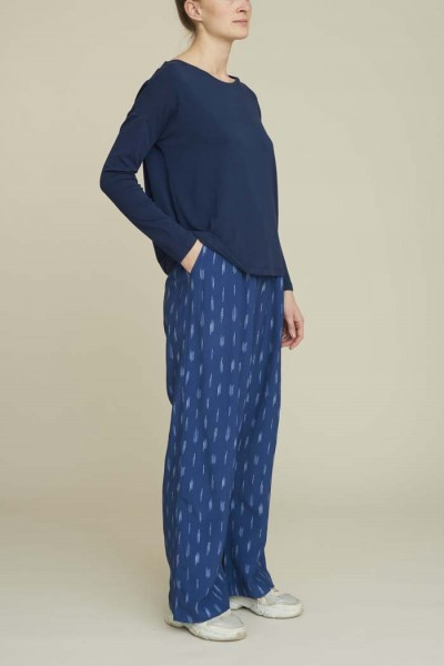 Basic Apparel: Modell 'Fleur Pants - Blue'