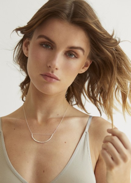 Wild Fawn: Modell 'Statement Necklace - Silver'