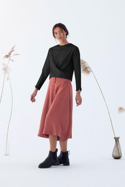 Suite 13: Modell 'Numata Shirt - Black'